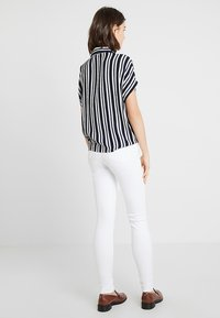 Dorothy Perkins - CRINKLE - Camicia - navy/white - 2