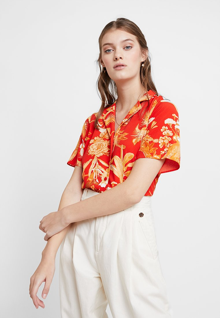 Dorothy Perkins - PARROT PRINT - Blouse - red