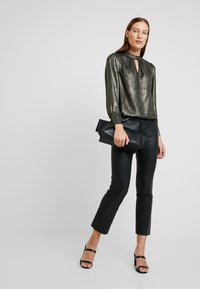 Dorothy Perkins - GLITTER HONEY - Bluzka - gold