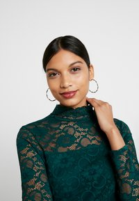 Dorothy Perkins - HIGH NECK - Blus - forest green - 3