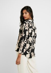 Dorothy Perkins - FLORAL TIE NECK BATWING - Blouse - black/white - 2