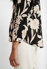 Dorothy Perkins - FLORAL TIE NECK BATWING - Blouse - black/white - 5