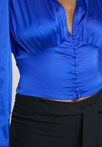 Dorothy Perkins - LOLA SKYE BUTTON THROUGH - Bluser - cobalt - 5