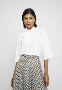 Dorothy Perkins - PUSSYBOW TIE NECK 3/4 SLEEVE - Blouse - ivory - 0