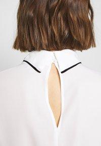 Dorothy Perkins - FOLD NECK CONTRAST - Blouse - ivory - 5