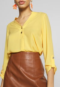 Dorothy Perkins - DOUBLE BUTTON COLLARLESS ROLL SLEEVE - Bluser - yellow - 5