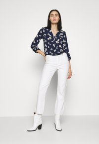 Dorothy Perkins - FLORAL DOUBLE BUTTON COLLARLESS ROLL SLEEVE - Bluser - navy - 1