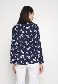 Dorothy Perkins - FLORAL DOUBLE BUTTON COLLARLESS ROLL SLEEVE - Bluser - navy - 2