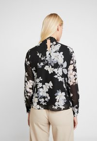Dorothy Perkins - FLORAL SHIRRED NECK TOP - Bluser - black - 2