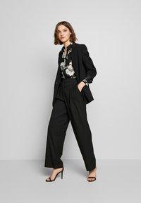 Dorothy Perkins - LONG LINE SHIRT - Camisa - black - 1
