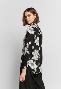 Dorothy Perkins - LONG LINE SHIRT - Camisa - black - 4
