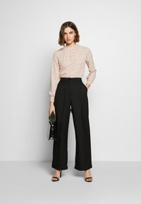 Dorothy Perkins - BLUSH  SHIRRED - Blouse - blush
