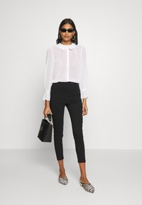 Dorothy Perkins - COLLARED CUFF - Camicia - ivory - 1