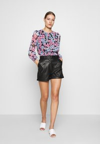 Dorothy Perkins - LOLA BACK SHIRRED  - Bluzka - multicolor - 1
