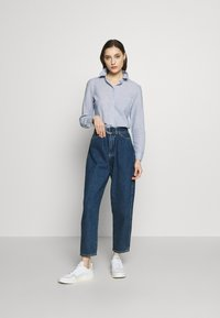 Dorothy Perkins - CLOSED COLLAR - Button-down blouse - chambray - 1