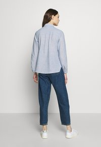 Dorothy Perkins - CLOSED COLLAR - Button-down blouse - chambray - 2
