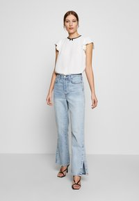 Dorothy Perkins - BOW NECK DETAIL TOP - Bluser - ivory - 1