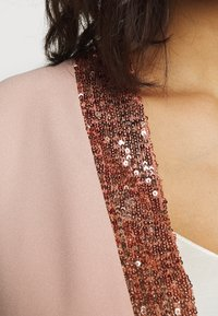 Dorothy Perkins - SEQUIN TRIM COVER UP - Veste légère - blush - 5