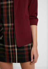 Dorothy Perkins - RUCHED SLEEVE JACKET - Żakiet - bordeaux - 4