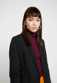 Dorothy Perkins - RUCHED SLEEVE JACKET - Blazer - black - 3