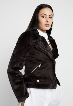 SLEEVE BIKER - Faux leather jacket - chocolate