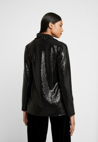 Dorothy Perkins - SEQUIN - Kort kappa / rock - black - 2