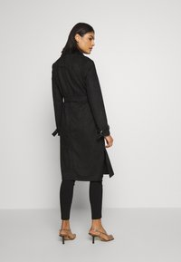 Dorothy Perkins - SUEDETTE DRING TRENCH COAT - Trenchcoat - black - 2