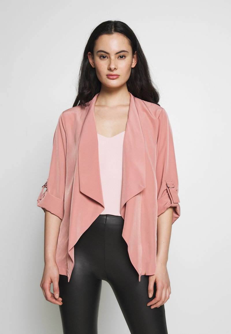 Dorothy Perkins - WATERFALL THROW ON JACKET - Lett jakke - dark rose