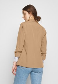 Dorothy Perkins - CAMEL EDGE TO EDGE JACKET - Blazer - light brown - 2