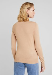 Dorothy Perkins - BUTTON CORE CARDI - Vest - camel - 2