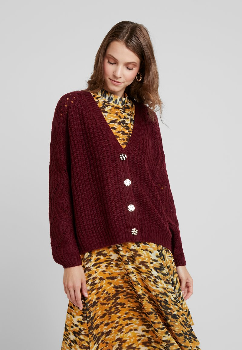 Dorothy Perkins - SLEEVE BUTTON - Cardigan - oxblood