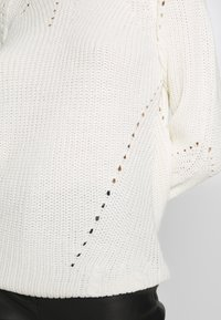 Dorothy Perkins - LEAD IN STITCH - Jumper - cream - 5