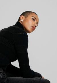 Dorothy Perkins - ALL OVER JUMPER - Pullover - black - 4