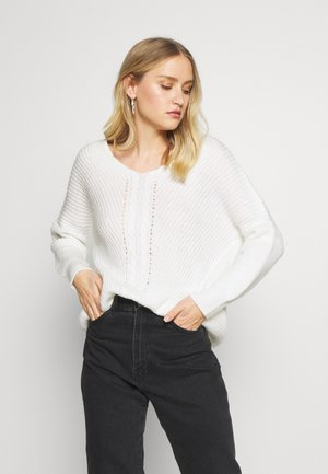 V NECK DETAIL CABLE JUMPER - Jumper - cream