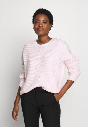 V NECK DETAIL CABLE JUMPER - Sweter - blush