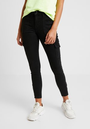 REGULAR ZIP UTILITY POCKET DARCY - Jeans Skinny Fit - black