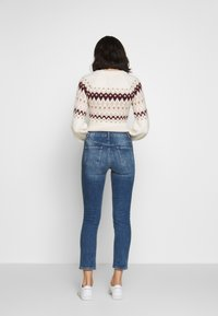 Dorothy Perkins - BOYFRIEND JEAN - Slim fit jeans - dark-blue denim - 2