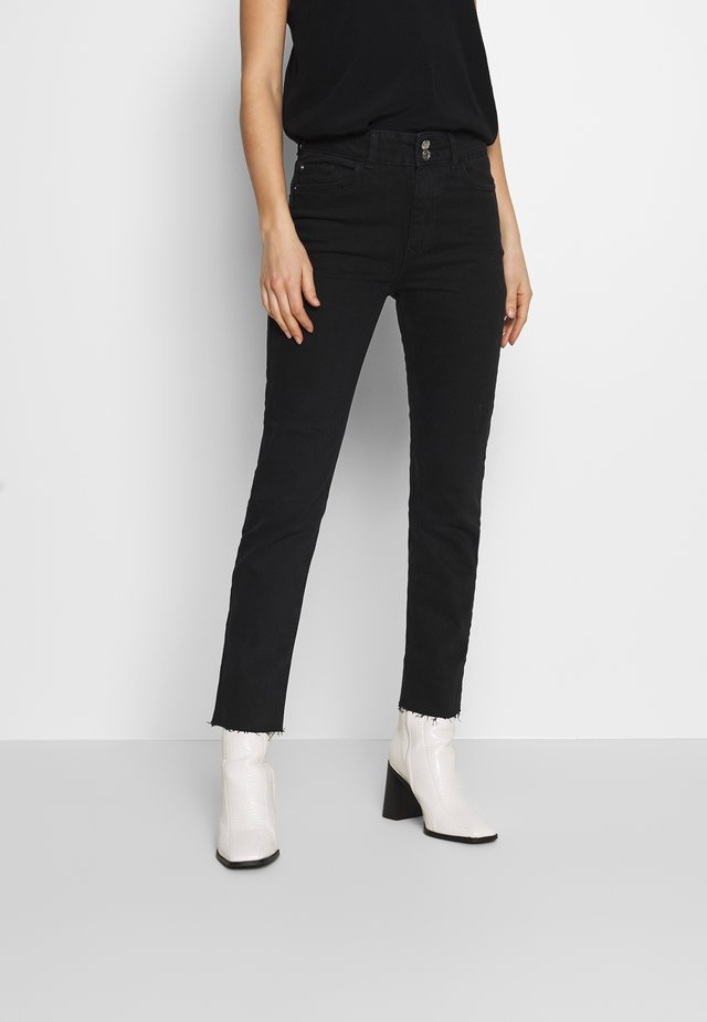 BOYFRIEND JEAN - Slim fit jeans - black