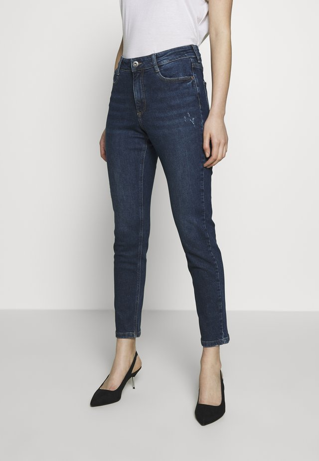 MOM - Relaxed fit jeans - indigo