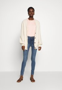 Dorothy Perkins - SHAPE AND LIFT - Jeansy Skinny Fit - midwash - 1