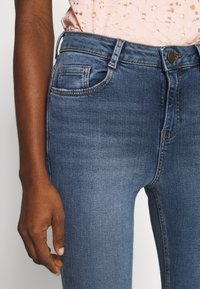 Dorothy Perkins - SHAPE AND LIFT - Jeansy Skinny Fit - midwash - 5