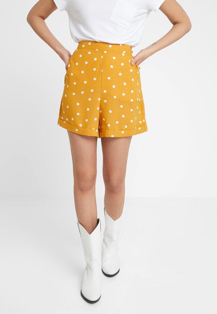 Dorothy Perkins - SPOT SHORT - Shorts - ochre