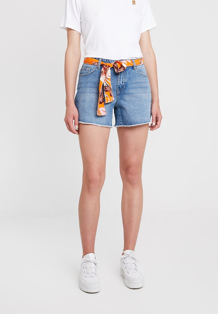 Dorothy Perkins - SCARF BELTED - Jeans Shorts - mid wash