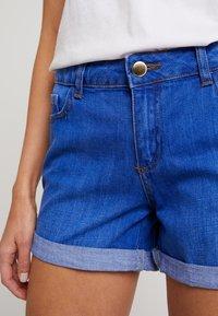 Dorothy Perkins - BOY - Denim shorts - bright blue - 5