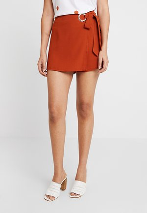 WRAP EYELET SKORT - Shorts - ginger