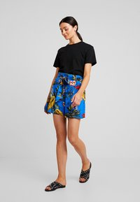 Dorothy Perkins - TROPICAL  - Shorts - blue - 1