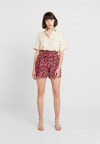Dorothy Perkins - ANIMAL TAB DETAIL - Shorts - hot pink - 2