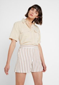Dorothy Perkins - STRIPE - Shorts - taupe/beige - 3