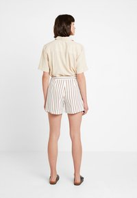 Dorothy Perkins - STRIPE - Shorts - taupe/beige - 2