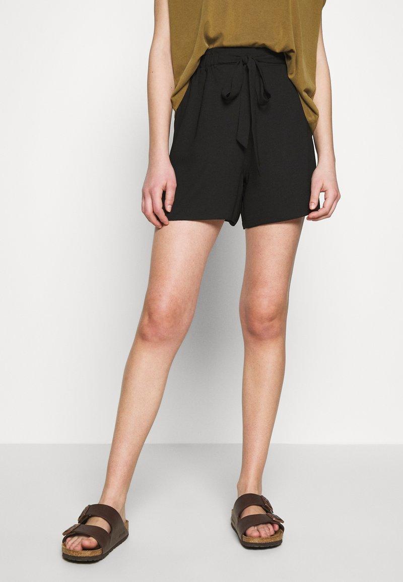 Dorothy Perkins - PAPERBAG - Shorts - black